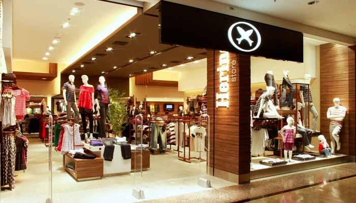 2280ab28b816 Uma das mais conhecidas marcas do vestuário nacional, a Hering é associada  à ABF desde 1992. No ano seguinte, iniciou o processo de expansão através  do ...